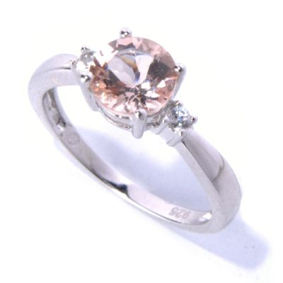 131-052 - Gem Insider Sterling Silver 1.06ctw Morganite & White Topaz Three-Stone Ring