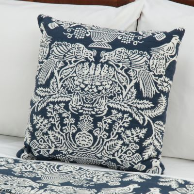 "430-679 - ""Wilmington"" Yarn-Dyed Portuguese Decorative Toss Pillow"