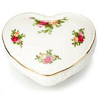ROYAL ALBERT OLD COUNTRY ROSE VICTORIAN HEART BOX SIGNED BY MD