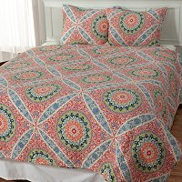 "North Shore Linens ""Zola"" Three-Piece Quilt Set"