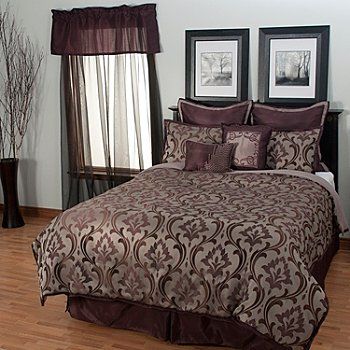 435-536 - North Shore Linens™ ''Winchester'' 12-Piece Bedding Ensemble