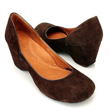710-853 - Gentle Souls by Kenneth Cole ''Ridge Amaru'' Suede Wedge Pumps