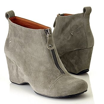 710-857 - Gentle Souls by Kenneth Cole ''Ridgual'' Front Zipper Suede Wedge Boot