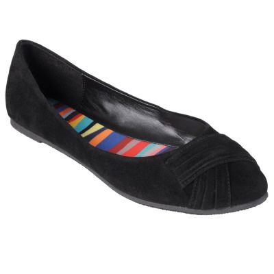 711-001 - Journee Collection Pleated Faux Suede Ballet Flats
