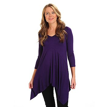 711-044 - Kate & Mallory Stretch Knit 3/4 Sleeved Sharkbite Hemmed V-Neck Tunic