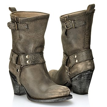 712-593 - Matisse® Leather ''Helms'' Buckle Detailed Distressed Boots