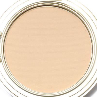 Senna Moist Matte Foundation w/ Brush. LIGHT $ 19.96