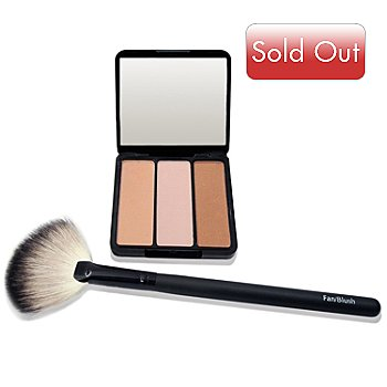 301-226 - EVE PEARL Cosmetics ''Sweet Cheeks'' Blush Trio & Fan Brush