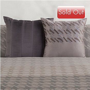 430-522 - Macy's Hotel Collection® ''Houndstooth'' Two-Piece Accent Pillow Set